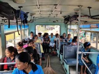 Eine Busfahrt die ist lustig, eine Busfahrt die ist schön.