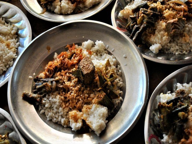 Curry mit Thunfisch und Bohnen
