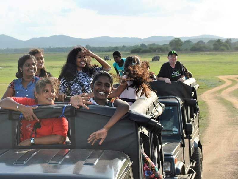 Anushas Gruppe bei der Jeep Safari