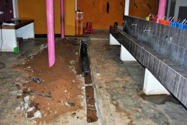 Neue Leitungen im Sanitärbereich