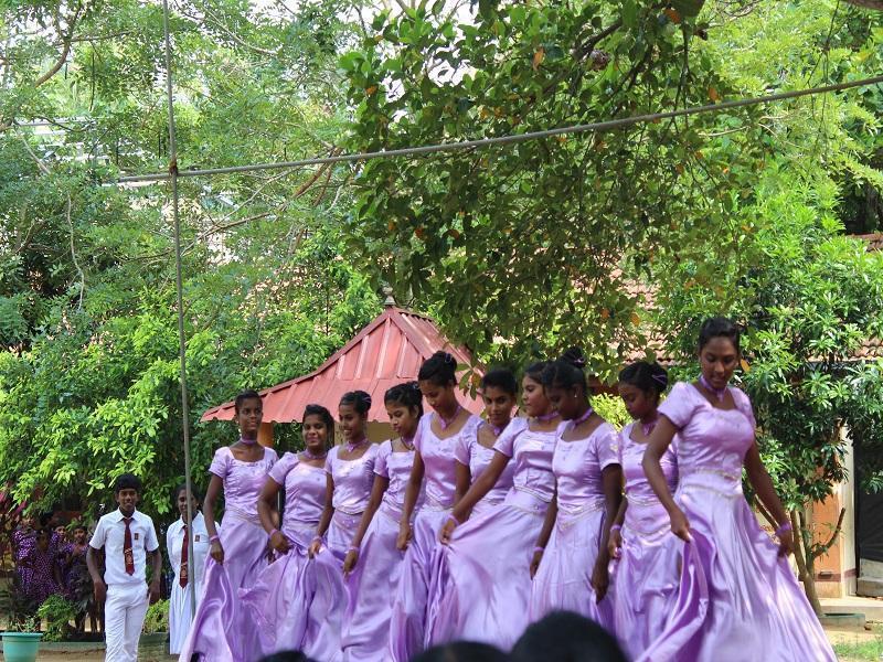 Die Mädchen bei ihrem Tanz
