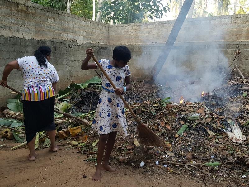 Hier werden Gartenabfälle verbrannt oder Kompostiert