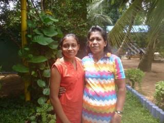 Chethana mit ihrer Mama