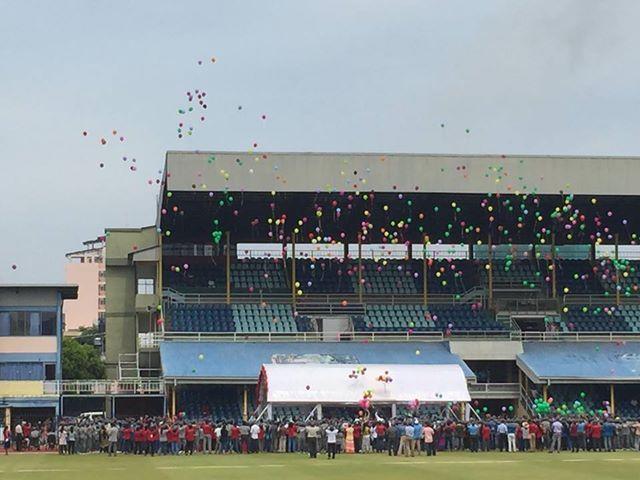 Ballons steigen zur Siegerehrung