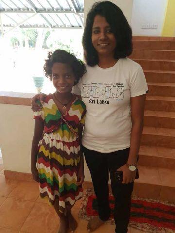 Nethmi & Ayesha (Managerin)