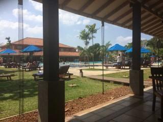Hotel Palm Bay mit Blick auf den Pool