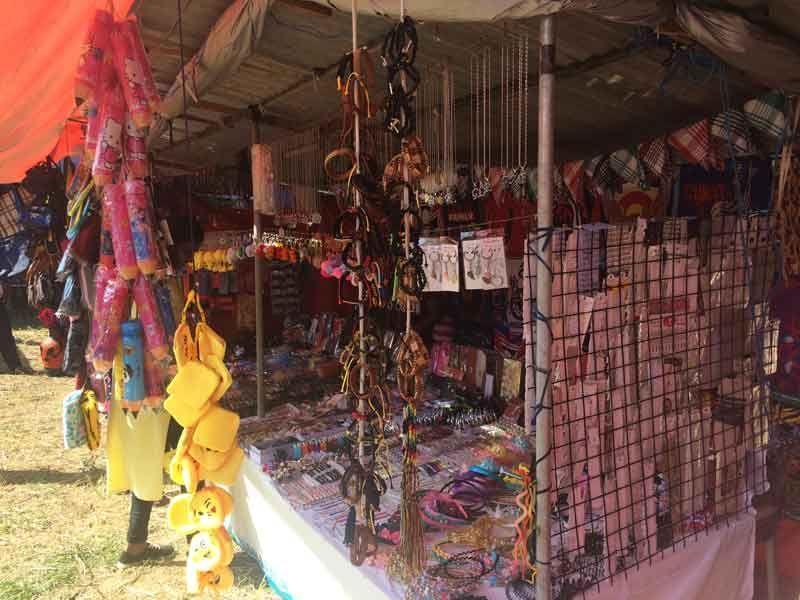 Ein Marktstand des Kirchenfestes